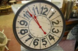 Décoration                                                                          Horloge neuve
